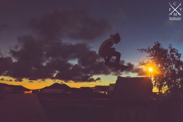 aday_lientotail_casamaccaroni_guesthouse_surflodge_fuerteventura_canaryislands_surf_skateboarding_sunset_session