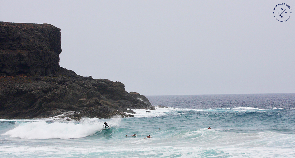 sundays_surf_session_fuerteventura_canaryisland_casamaccaroni_guesthouse_surflodge_fun_friends_max_riton