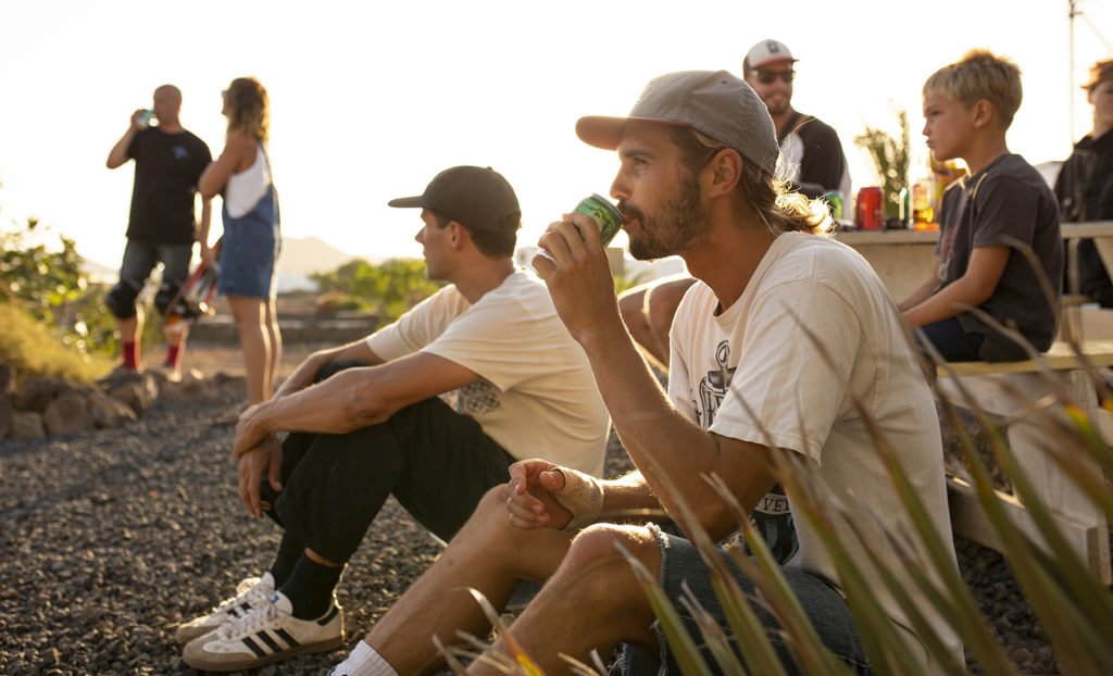 Party and session at Casa Maccaroni Fuerteventura skate and friends